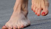 15 of the Ugliest Celebrity Feet