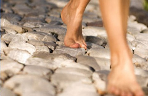 The Surprising Health Benefits Of Going Barefoot